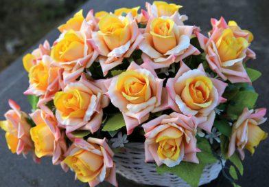 Sztuczne kwiaty do dekoracji – dlaczego są lepsze od żywych?