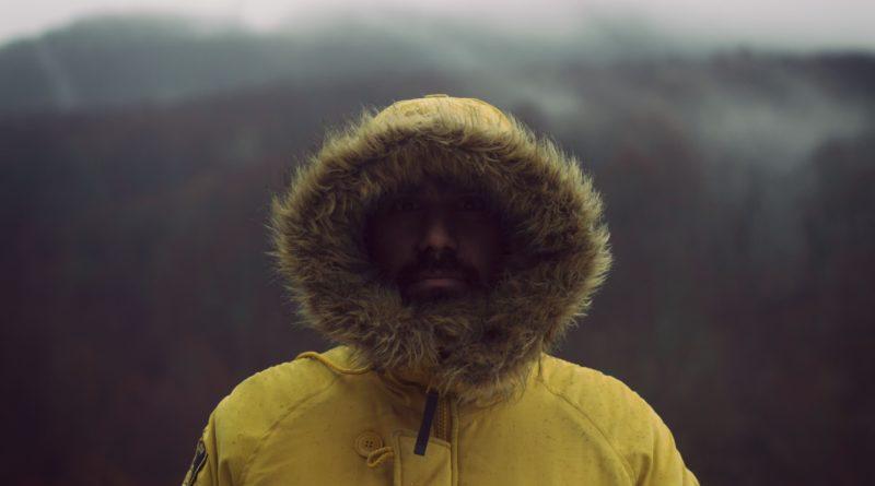 Jak wybrać męską kurtkę na zimę?